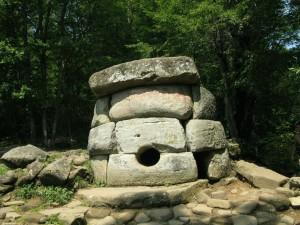 Gelendzhik_dolmen_51