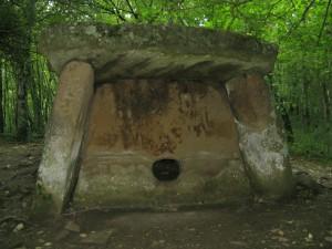 Gelendzhik_dolmen_72
