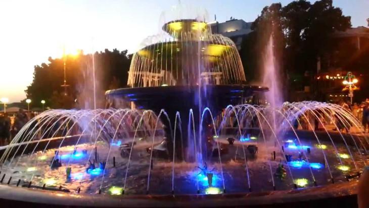Сезон фонтанов в Геленджике