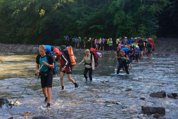 Развивая краевой детский туризм