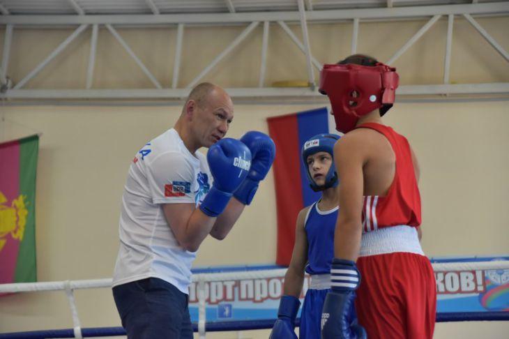 Геленджикский гость – боксер Александр Малетин