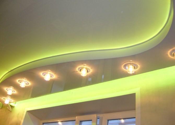 Конструктивные особенности и преимущества подвесных потолков